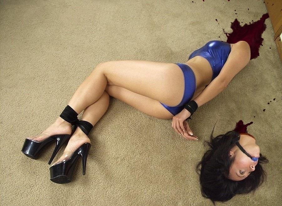 【※グロ注意】首チョンパされた女の全裸画像を貼ってくスレ・・・勃起したヤツすぐに病院行けよwwwww・25枚目