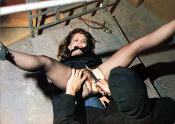 【閲覧注意】女の身体を切り裂き興奮する異常者が残したモノがこちら・・・(画像あり)・18枚目