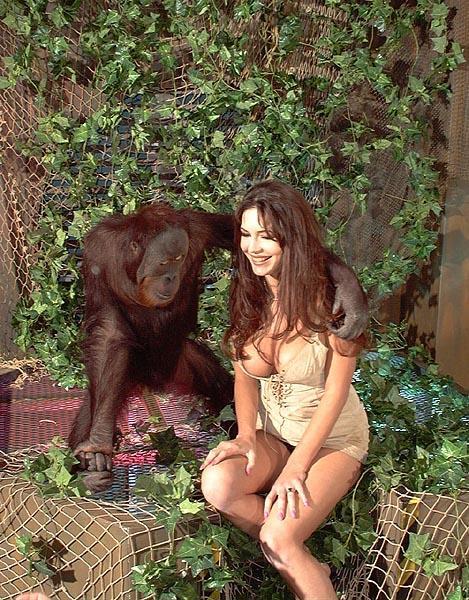 【画像あり】猿とSEX試みる女闇深すぎてワロタ。。。・6枚目