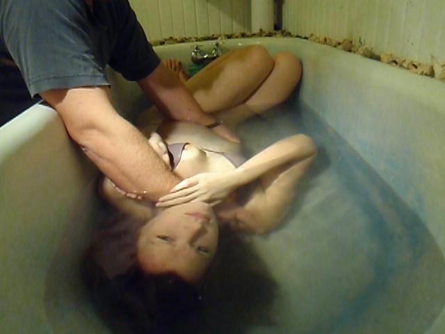 【閲覧注意】「水地獄」とかいうプレイ、、、これは死ぬ。(画像あり)・19枚目