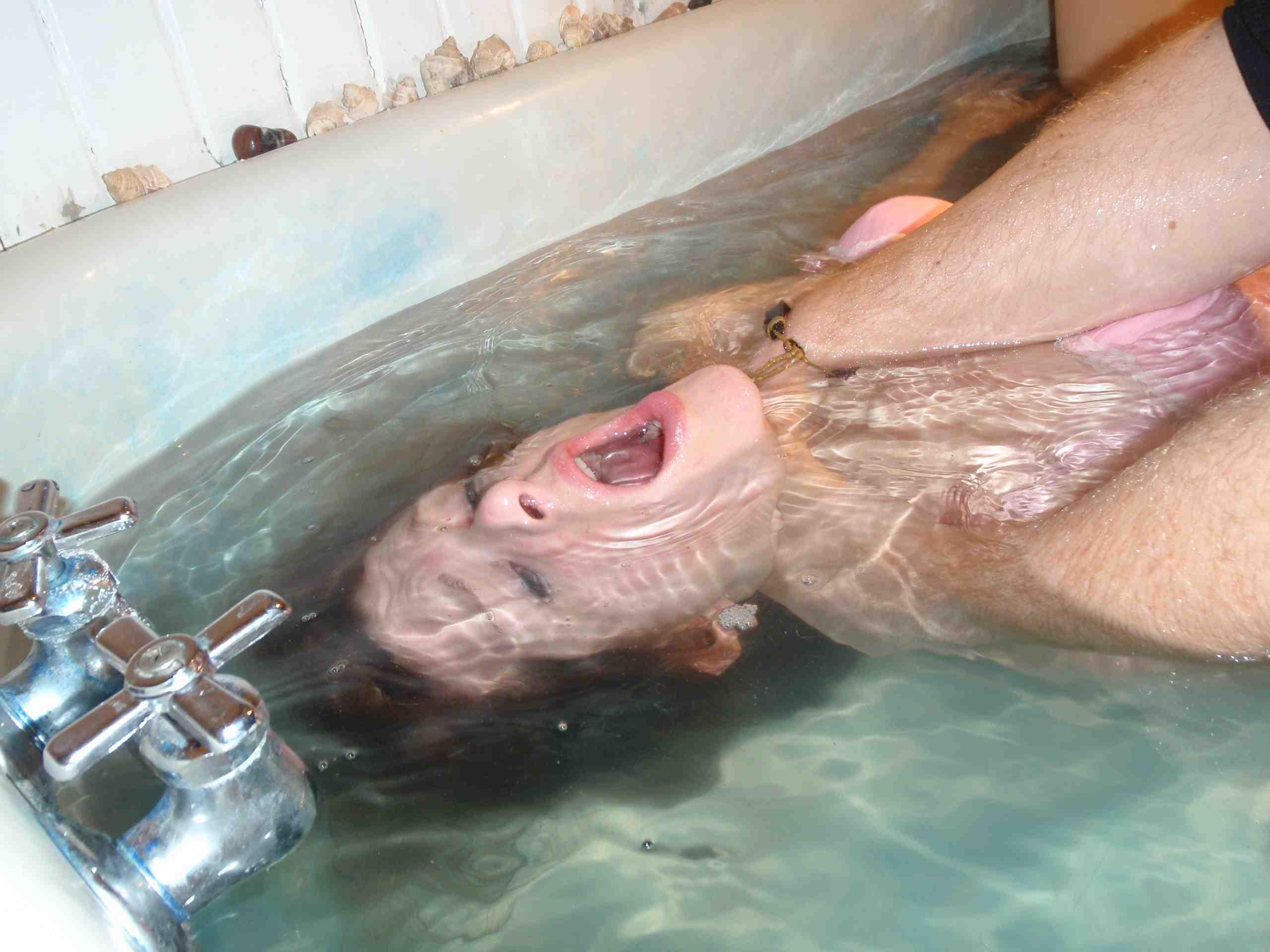 【閲覧注意】「水地獄」とかいうプレイ、、、これは死ぬ。(画像あり)・7枚目