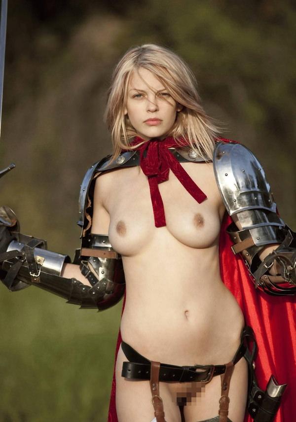 【画像あり】「甲冑ヌード」とかいう甲冑とエロを融合した鎧女をご覧くださいwwwww・2枚目