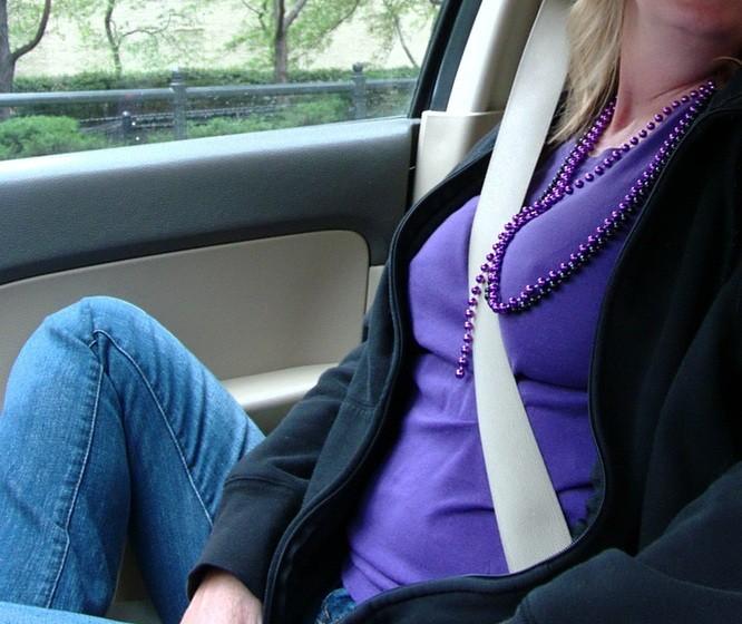 【自信満々】シートベルトで車内パイスラしてるSNS画像集 37枚・11枚目