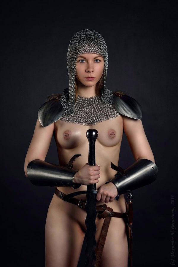 【画像あり】「甲冑ヌード」とかいう甲冑とエロを融合した鎧女をご覧くださいwwwww・14枚目