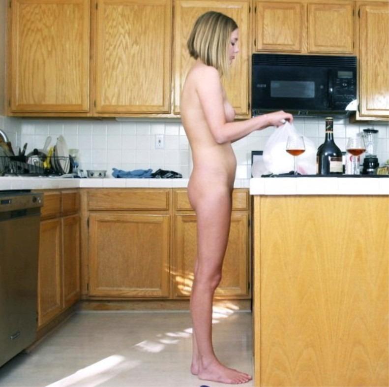 【朗報】家では彼女が実は裸族だった件wwwwwwwwwwww(画像あり)・17枚目