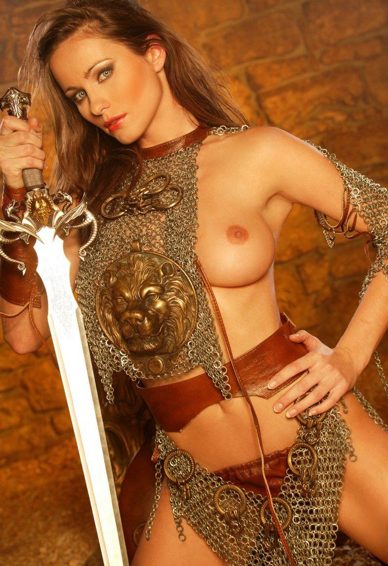 【画像あり】「甲冑ヌード」とかいう甲冑とエロを融合した鎧女をご覧くださいwwwww・19枚目