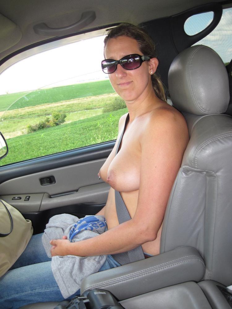 【自信満々】シートベルトで車内パイスラしてるSNS画像集 37枚・2枚目