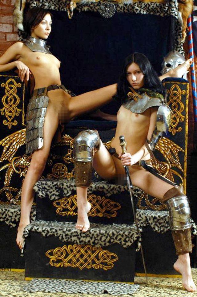 【画像あり】「甲冑ヌード」とかいう甲冑とエロを融合した鎧女をご覧くださいwwwww・20枚目