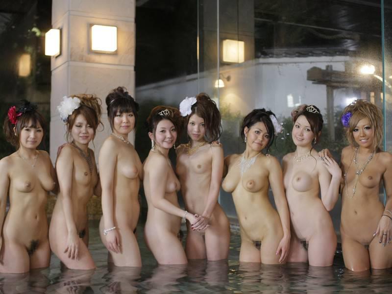 【超チンピク注意】声だけでシコれる露店風呂での女の子たち(画像33枚)・21枚目