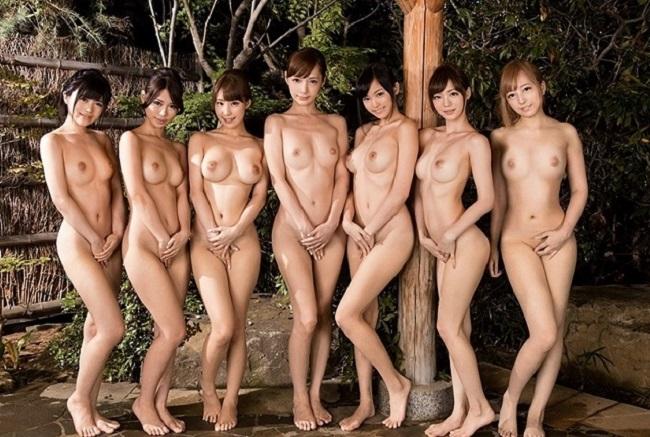 【超チンピク注意】声だけでシコれる露店風呂での女の子たち(画像33枚)・33枚目
