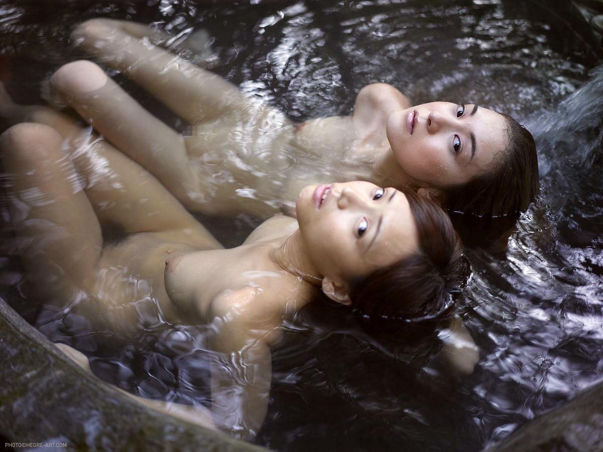 【超チンピク注意】声だけでシコれる露店風呂での女の子たち(画像33枚)・10枚目