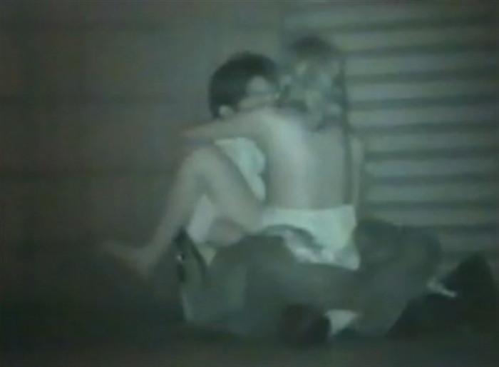 野外セックス 赤外線カメラ 画像033