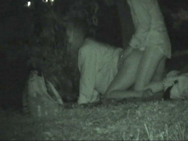 野外セックス 赤外線カメラ 画像008