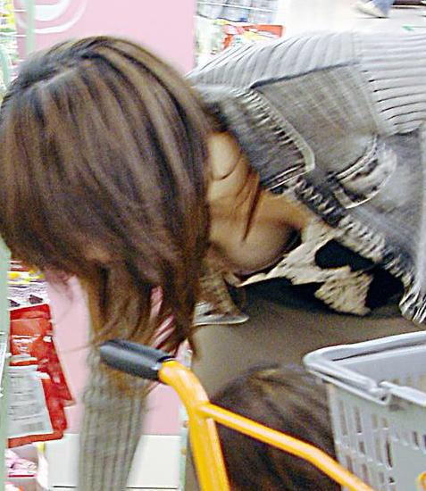 子連れママ おっぱいポロリ 画像002