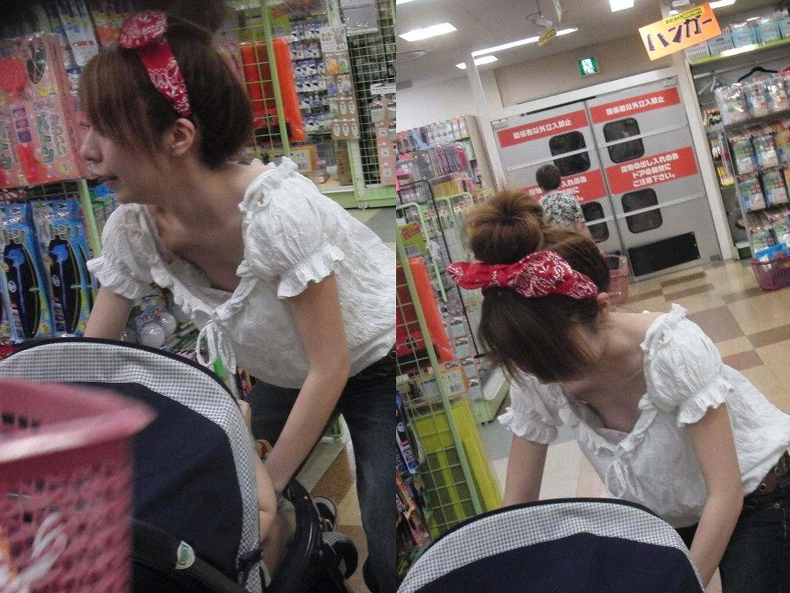 子連れママ おっぱいポロリ 画像009