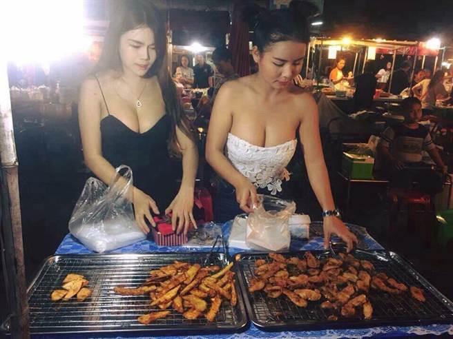【エロ画像】台湾の屋台店員まんさん、売上のために乳見せすぎ問題wwwwwwwwwwwwww・14枚目