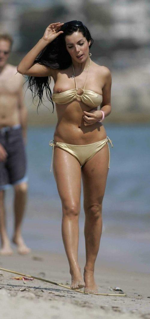 【画像あり】全裸より抜けるビーチでポロリハプニン具wwwwwwwwwww・14枚目