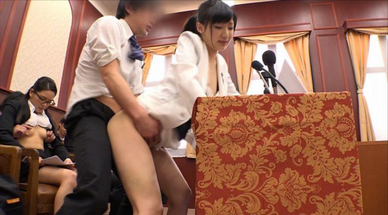 国会中継中に女性議員にセクハラする伝説の放送事故がこちら。(画像あり)・21枚目