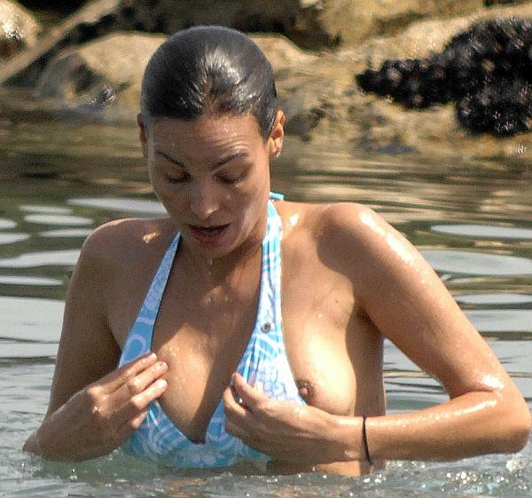 【画像あり】全裸より抜けるビーチでポロリハプニン具wwwwwwwwwww・21枚目