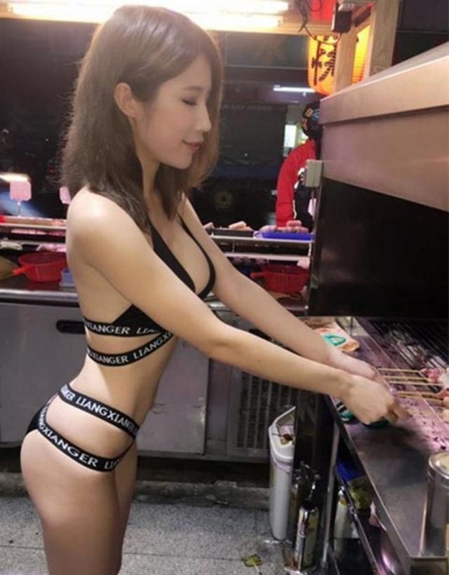 【エロ画像】台湾の屋台店員まんさん、売上のために乳見せすぎ問題wwwwwwwwwwwwww・25枚目