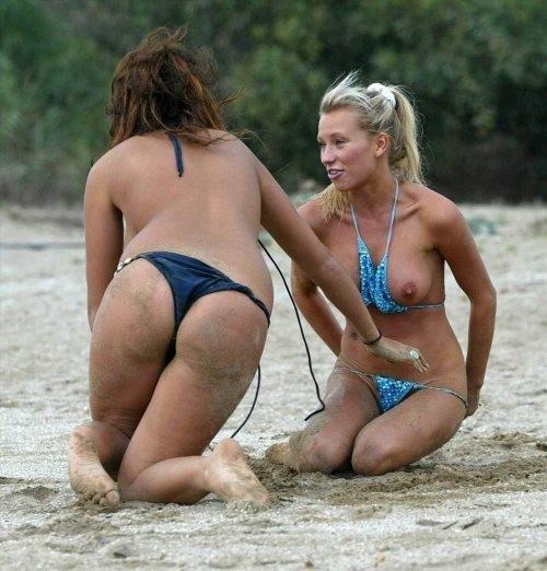【画像あり】全裸より抜けるビーチでポロリハプニン具wwwwwwwwwww・8枚目