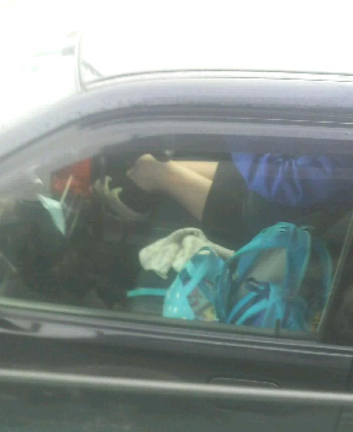 【エロ画像】トラックの運転手が事故る理由がこちら・・この眺め最高wwwwwww(画像16枚)・8枚目