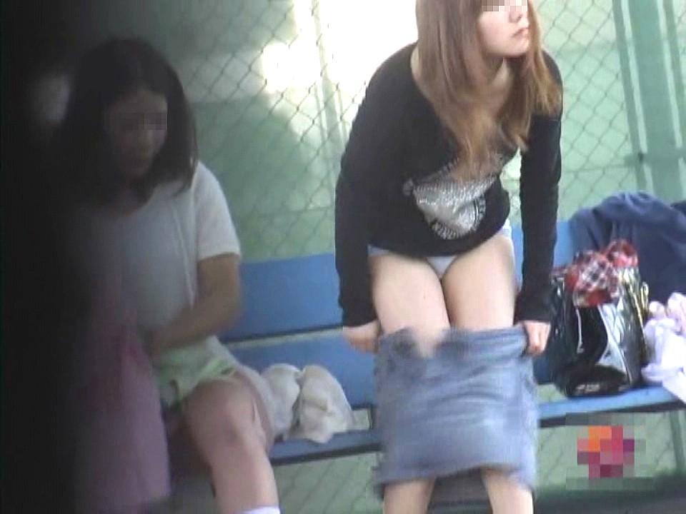 部活女子がガチで盗撮された ブツ がこれ。。パンツが若さを物語るwwwwww(エロ画像)・12枚目