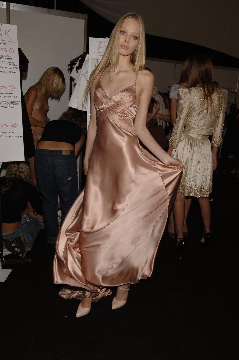【巨乳あり】ファッションショーの裏側の様子をご覧くださいwwwwwwwwww(画像63枚)・22枚目