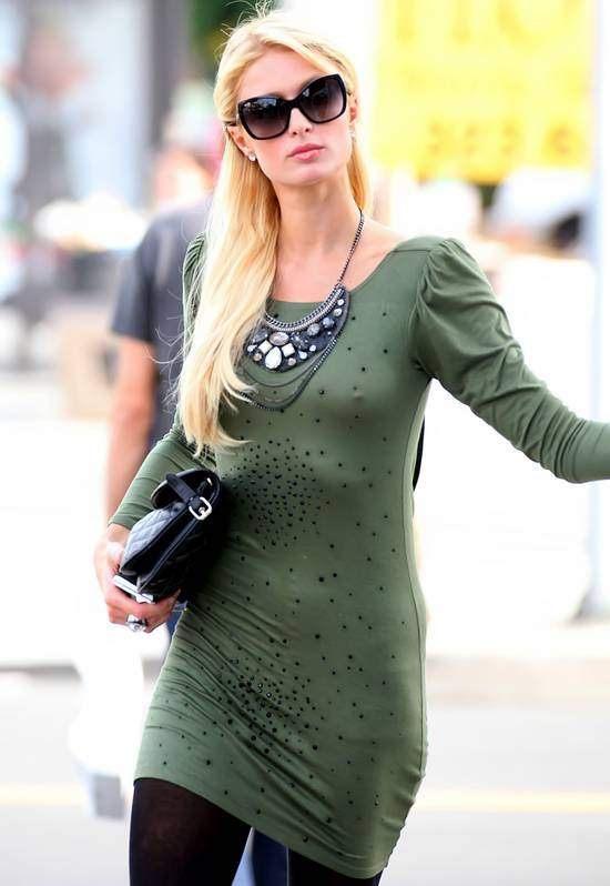 チラリどころかおっぱいポロンと飛び出してるハリウッド女優のメガハプニングwwwwwww(画像37枚)・23枚目