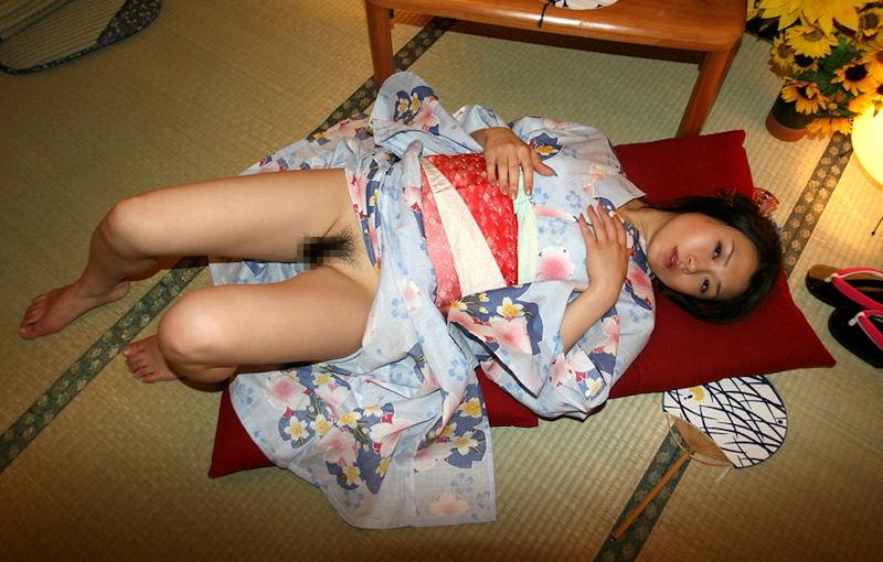 パン線を気にする女の子、浴衣の下はノーパンだという事実。(画像あり)・28枚目