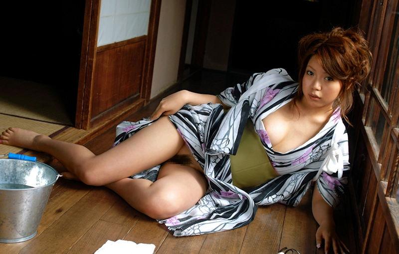 パン線を気にする女の子、浴衣の下はノーパンだという事実。(画像あり)・33枚目