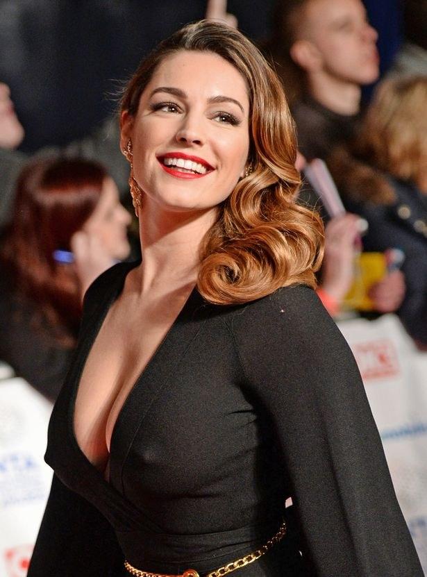 チラリどころかおっぱいポロンと飛び出してるハリウッド女優のメガハプニングwwwwwww(画像37枚)・35枚目