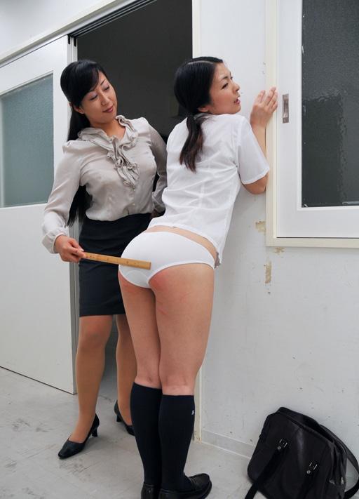 【スパンキング】JKの痛々しいお尻の画像集(33枚)・15枚目