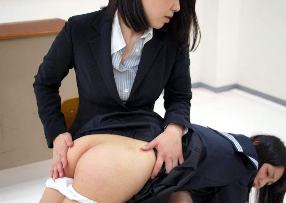 【スパンキング】JKの痛々しいお尻の画像集(33枚)・18枚目