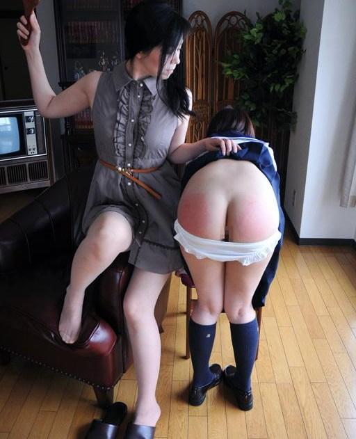 【スパンキング】JKの痛々しいお尻の画像集(33枚)・30枚目