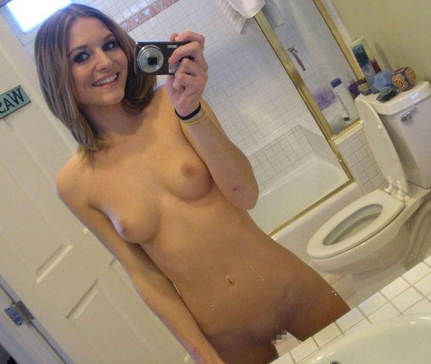 【悲報】用を足す以外で女がトイレに籠もる理由がコチラ・・・・・(画像あり)・22枚目