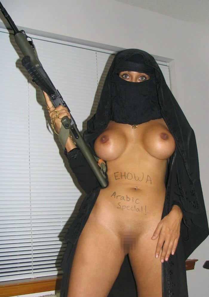 【勃起不可避】普段顔を隠しているイスラムまんさん、SNSでオカズをご提供wwwwww・30枚目