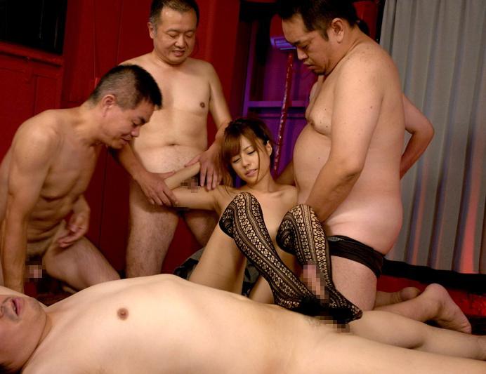 【キモメン注意】荒業を発動されたセクシー女優最後の仕事がこちら・・・(※画像あり)・5枚目