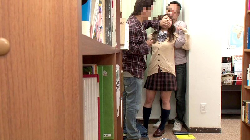 【痴漢】図書館にいる大人しそうな女の子が標的にされた結果・・・・19枚目