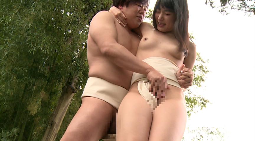 【超マニアック】女にふんどし一丁でガチンコ相撲やらせた結果wwwwwwwwwww・11枚目