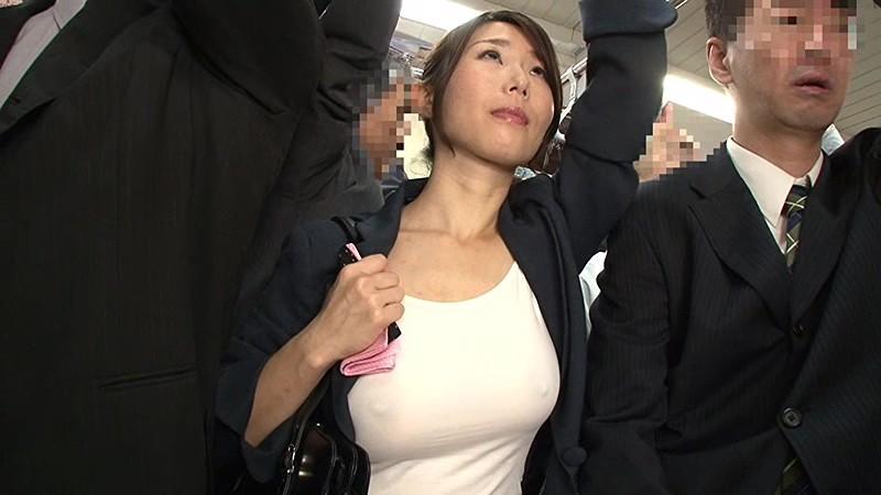 【誘惑注意】街中でノーブラ乳首ぽっちの女性って誘ってるとしか思えない件・・・・14枚目