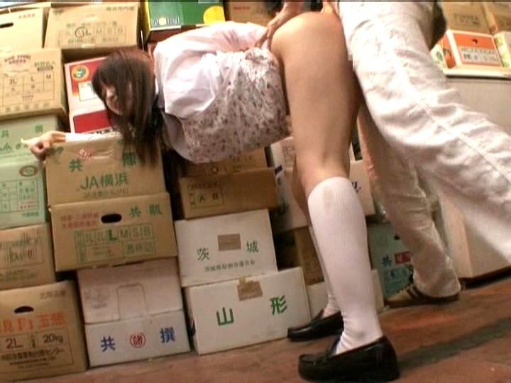 パート中の人妻さん、店長の性奴隷にされる・・・・・(画像あり)・19枚目