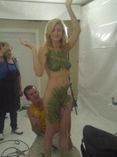 ハリウッド女優さん、ヌードを拡散されまくったエロ画像。マンコはアカンやろ・・・(画像あり)・40枚目