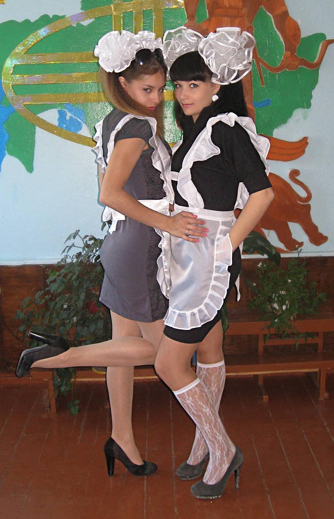 卒業式でメイド姿になるロシアの女学生がくっそエ口すぎるんだがwwwww(勃起確定)・25枚目