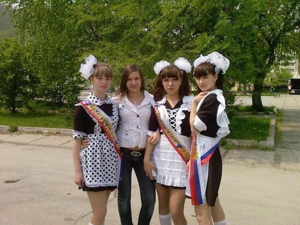 卒業式でメイド姿になるロシアの女学生がくっそエ口すぎるんだがwwwww(勃起確定)・7枚目