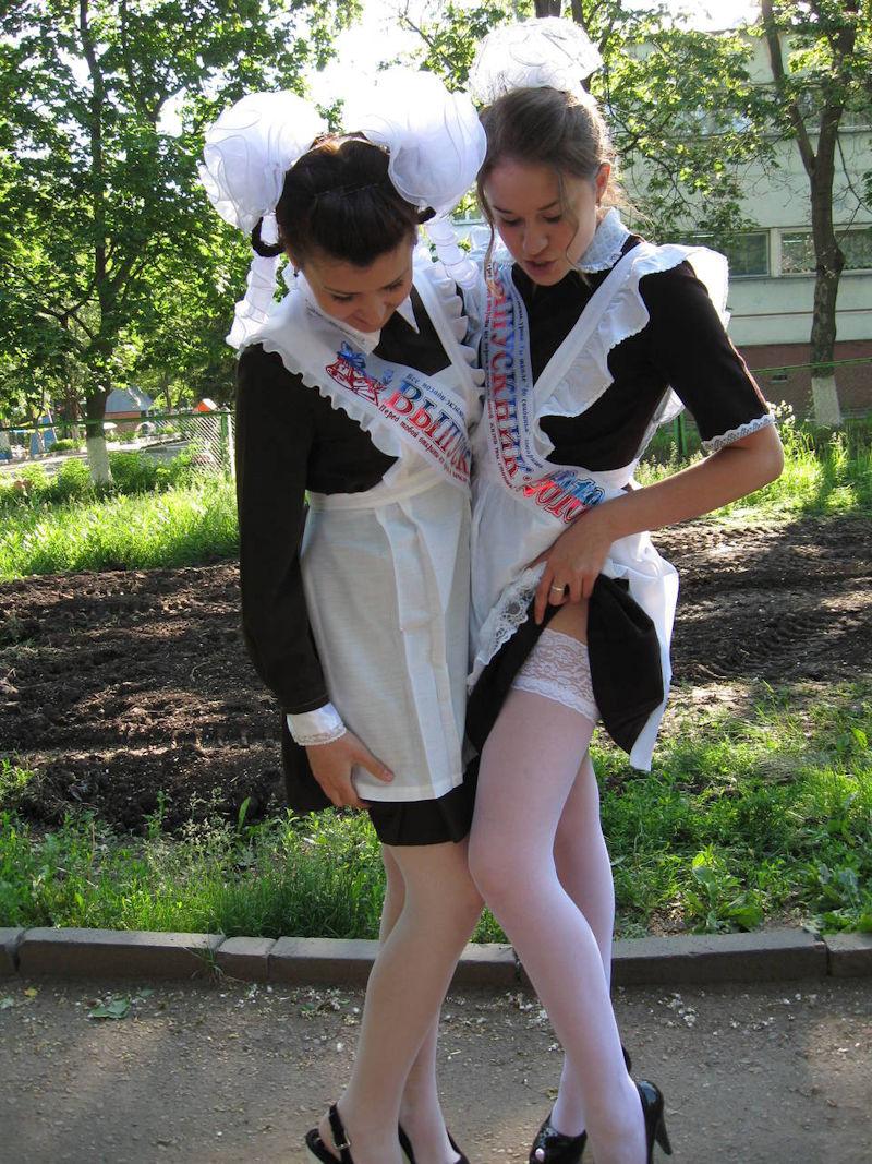卒業式でメイド姿になるロシアの女学生がくっそエ口すぎるんだがwwwww(勃起確定)・8枚目