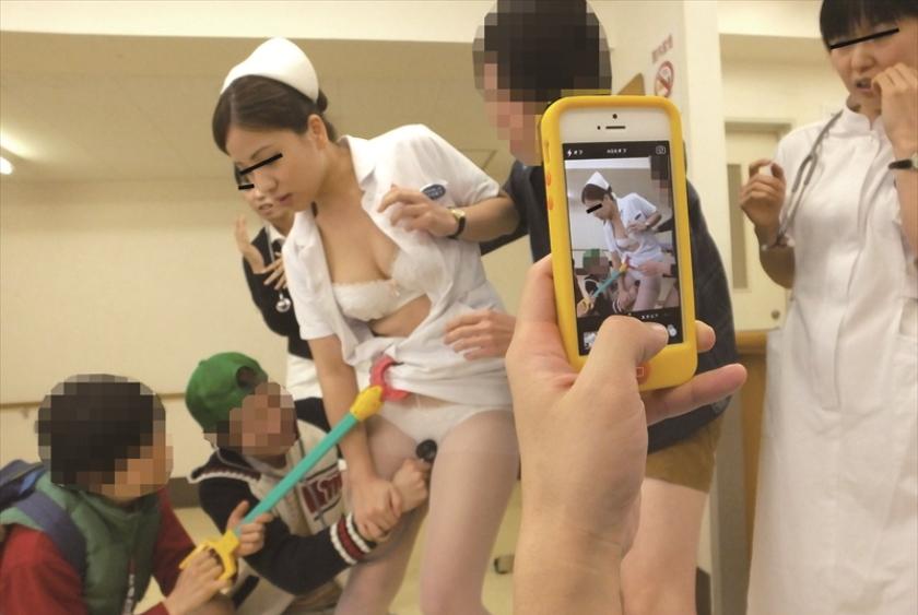 【これはアウト】看護師への過激すぎるセクハラ画像集(24枚)・14枚目