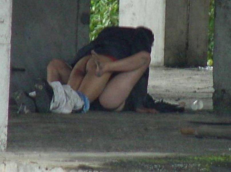 今の時期になったら現れる野外セックス現場の撮影に成功。(画像あり)・19枚目