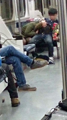 AVの影響電車内でおっぱじめるバカップルが無事撮影→拡散されるの巻。(画像あり)・19枚目