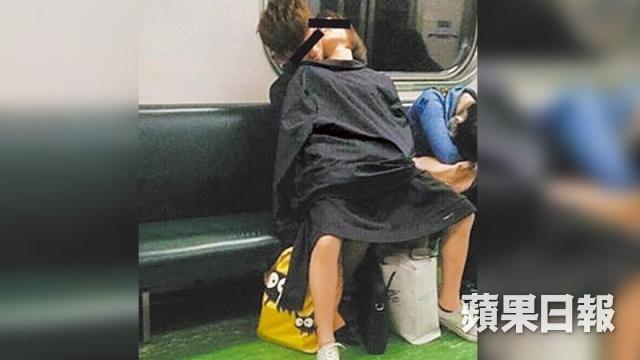 AVの影響電車内でおっぱじめるバカップルが無事撮影→拡散されるの巻。(画像あり)・6枚目
